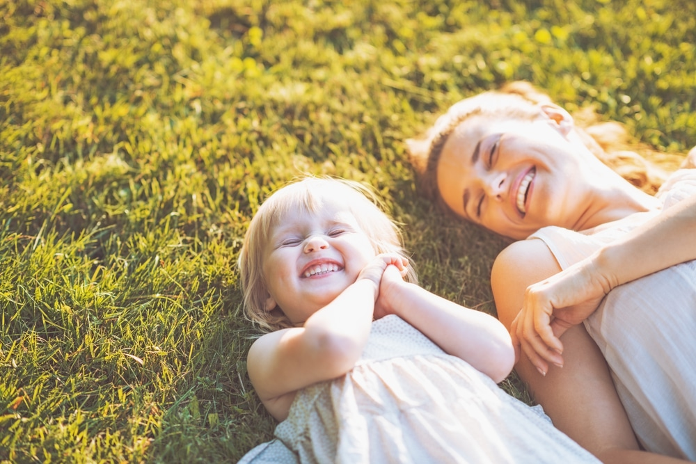 mother child happy smile resilience hypnotherapy hypnosis