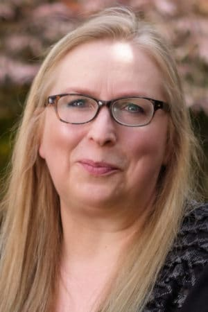Dr Kate Beaven-Marks Headshot